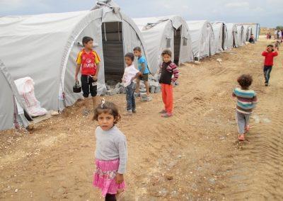 many-kids-in-camp